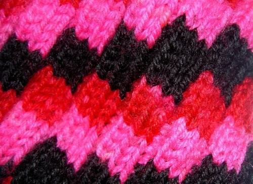 Вязание нитками разных цветов