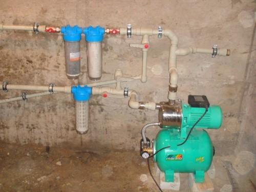 Как сделать воду в частном доме своими руками