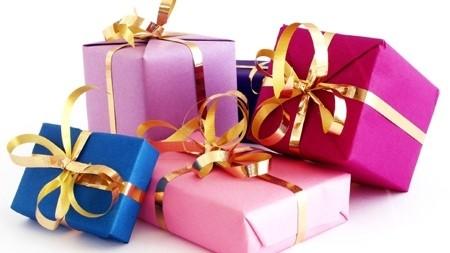 Як прикрасити подарунок