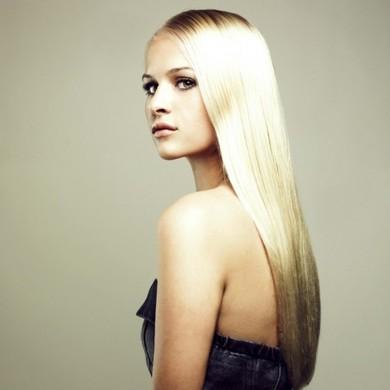Довге волосся у дівчат завжди