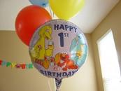 Як провести перший день народження дитини