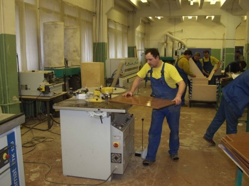 Як організувати виробництво меблів  310861461a2c0