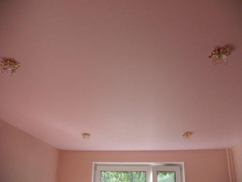 Як вибрати колір стелі