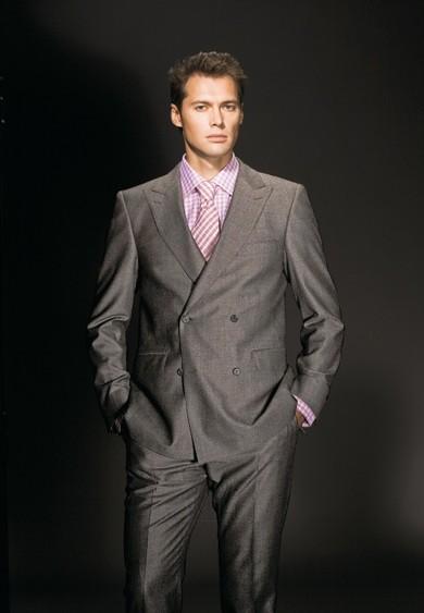 Чоловічий одяг щоб у ній було і